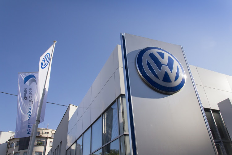vw financial services ordered  refund customers  illegal fees