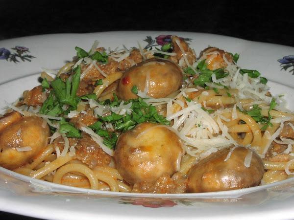 Spaghetti With Sausage-mushroom Sauce Recipe
