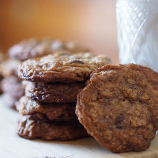 Pumpkin Spice Oatmeal Chocolate Chip Cookies