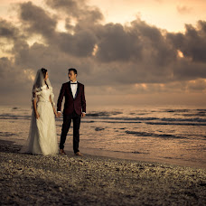 Wedding photographer Valentin Vadanoiu (vadanoiu). Photo of 02.10.2015