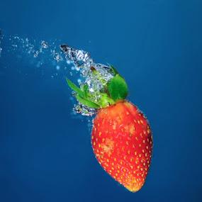strawbery by Irwan Kairuman - Food & Drink Fruits & Vegetables ( still life )