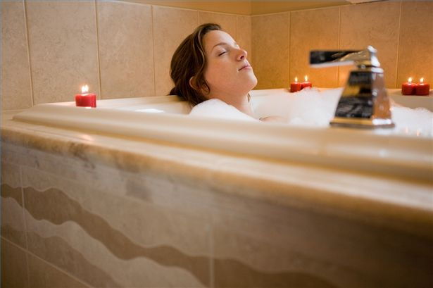 article-new-thumbnail-ehow-images-a00-09-j1-bath-postpartum-800x800.jpg