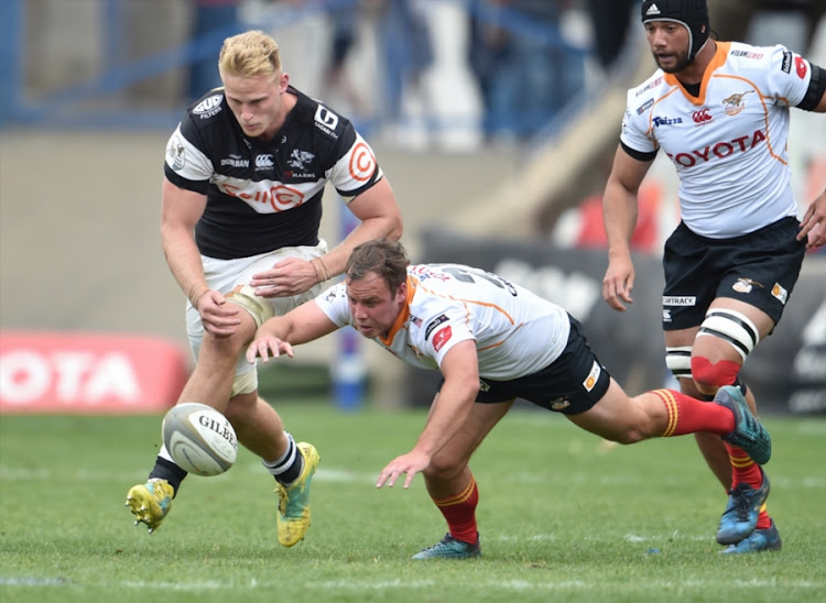 Daniel du Preez of the Sharks and Dian Badenhorst of the Toyota Free State Cheetahs tussle for the bal during the Currie Cup match at Toyota Stadium on September 01, 2018 in Bloemfontein, South Africa.