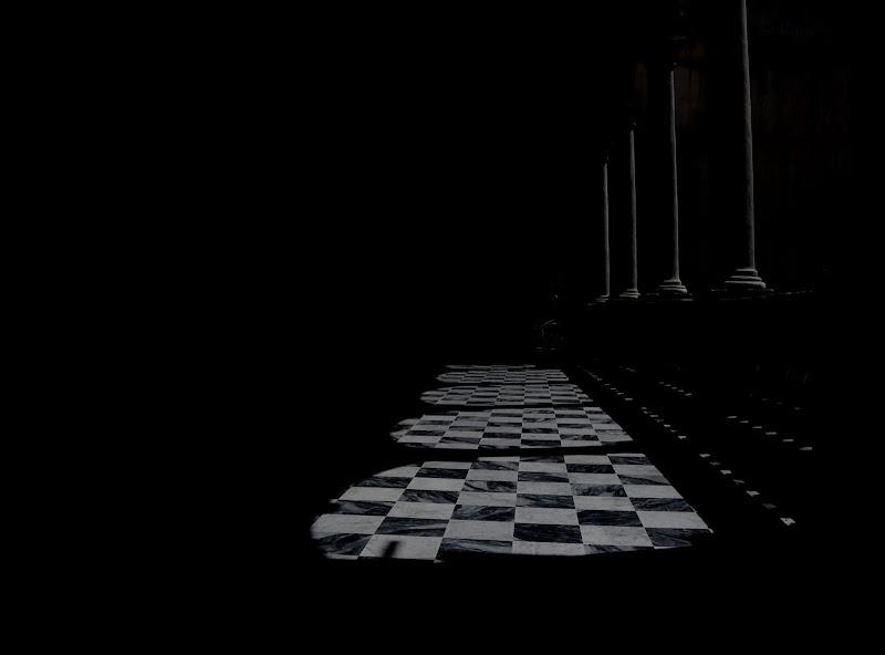 Archi e scacchiere di Loredana Consoli