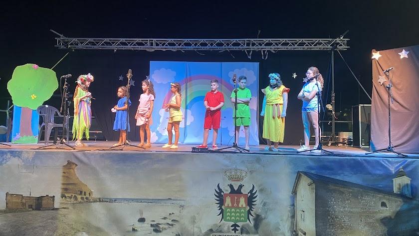 Grupo de primaria de la Escuela Municipal de Teatro de Pulpí.