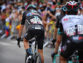 Twee heel zware slachtoffers bij massale valpartij Vuelta: Romain Bardet mag klassement al helemaal vergeten