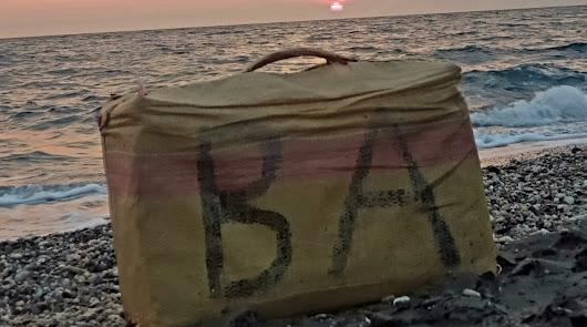 Unos bañistas encuentran un fardo de hachís en las playas de Cabo de Gata