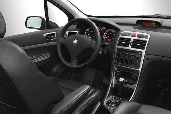 2007-Peugeot-307-Dashboard