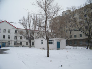 Photo: a late spring snow after a moisten dusk. harsh economy silences Chinese here northeastern China and led them more sedative in daily exercise, but glory of 2016 still warm in prayer, benzrad the blogger for his emerging Empire of China in 1109 years life ahead, and brings him overcomes the problem for larger peace and grace, except war heated by dictative PRC. here my dorm with dorm 4th in its last phrase before internal decoration.
