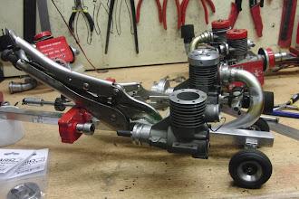 Photo: Twee andere ( sterkere ) motoren komen voor op het nieuwe frame.