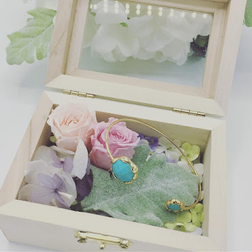 手工保鮮花🌸禮盒+韓國進口手鐲Set裝