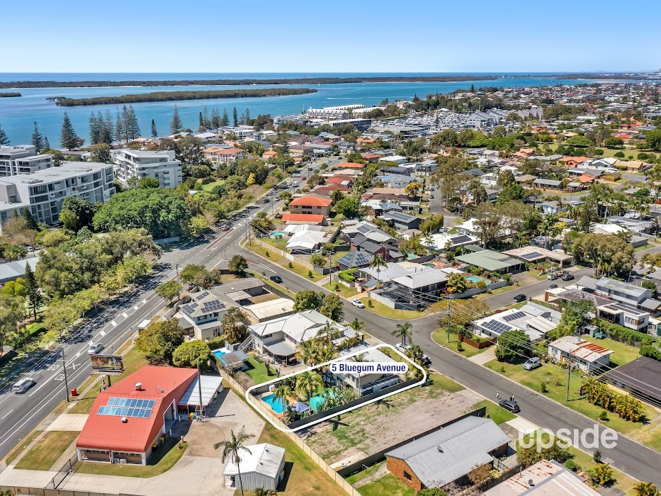 Main photo of property at 5 Bluegum Avenue, Hollywell 4216