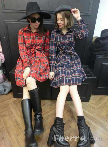 韓版時尚方領繫帶英倫格子中長款連身裙