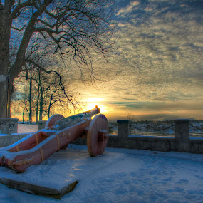 old canon by Morten Gustavsen - Buildings & Architecture Public & Historical ( canon, fredrikstad, winter, sunset, fortified town, norway )