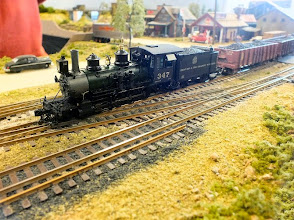 Photo: 105 Saw Pit Creek had all the usual features of an American narrow gauge layout – lots of shunting, lots of sound from the sound fitted locos, bells clanging, cylinder cocks blowing off and all that, together with the superb American mid-west scenic modelling that goes naturally with this type of layout .