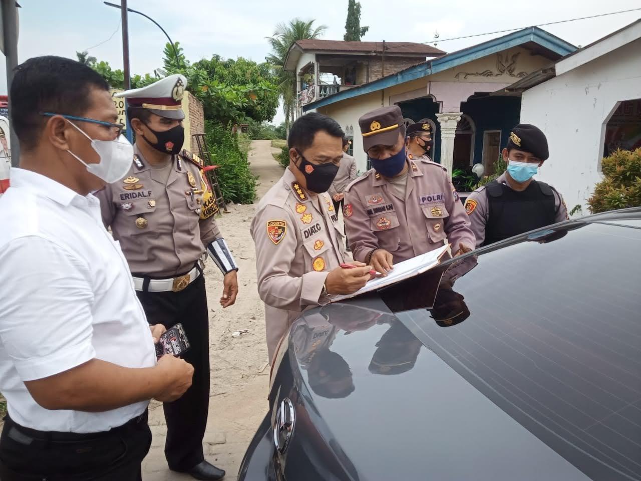Pamatwil Polda Sumut Lakukan Pengecekan Pos Penyekatan di Wilayah Batu Bara