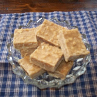 Easy Peanut Butter Fudge with Saltines!.