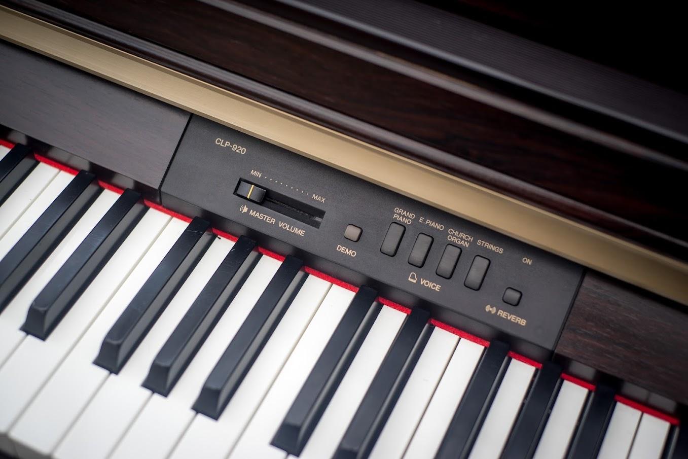 Yamaha clavinova full size digital piano 88 keys notes for Yamaha full size keyboard with 88 keys