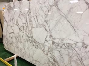 Photo: Staturio White Marble