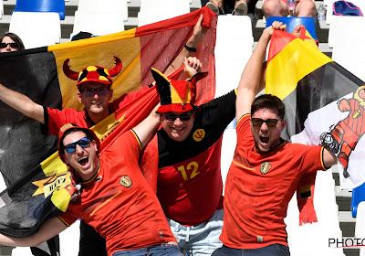 Jonge Duivels tonen hun appreciatie voor de afgereisde Belgische fans
