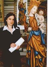Photo: Karina Kaczmarczyk i jej praca dyplomowa, 04. 2001r.