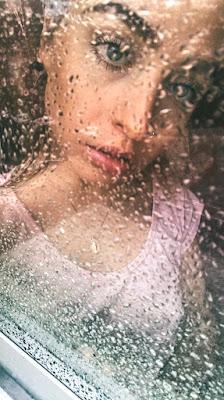 It rains inside. di gabrieledesantis