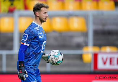 Tegenvaller voor KV Mechelen-doelman, die zich meteen laat opereren