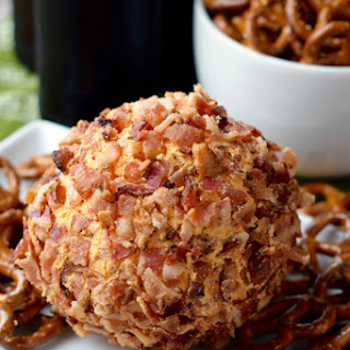 Buffalo Bacon Cheeseball