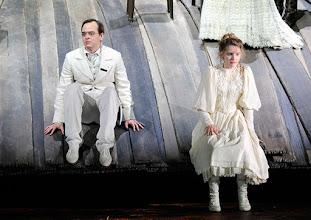 Photo: WIEN/ Burgtheater: WASSA SCHELESNOWA von Maxim Gorki. Premiere22.10.2015. Inszenierung: Andreas Kriegenburg. Martin Vischer, Frida Lovisa Haman. Copyright: Barbara Zeininger
