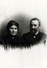 Photo: Lærer Henneberg med frue