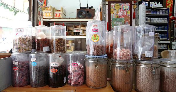 台中柑仔店 隱身熱鬧黎明路超過70年柑仔店 米麵糖都是秤重賣