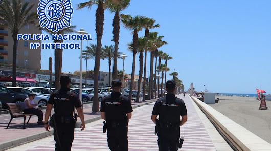 La Policía Nacional revisa 700 viviendas de Almería y de El Ejido para turistas