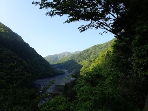春木川の上流を望む