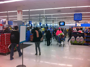 Photo: Can't tell by the pic, but it was pretty crowded #walmart, #bigelowtea