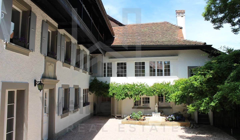 Maison avec piscine Bourg-en-Lavaux