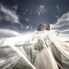 Wedding photographer Rinat Tarzumanov (rinatlt). Photo of 06.09.2018