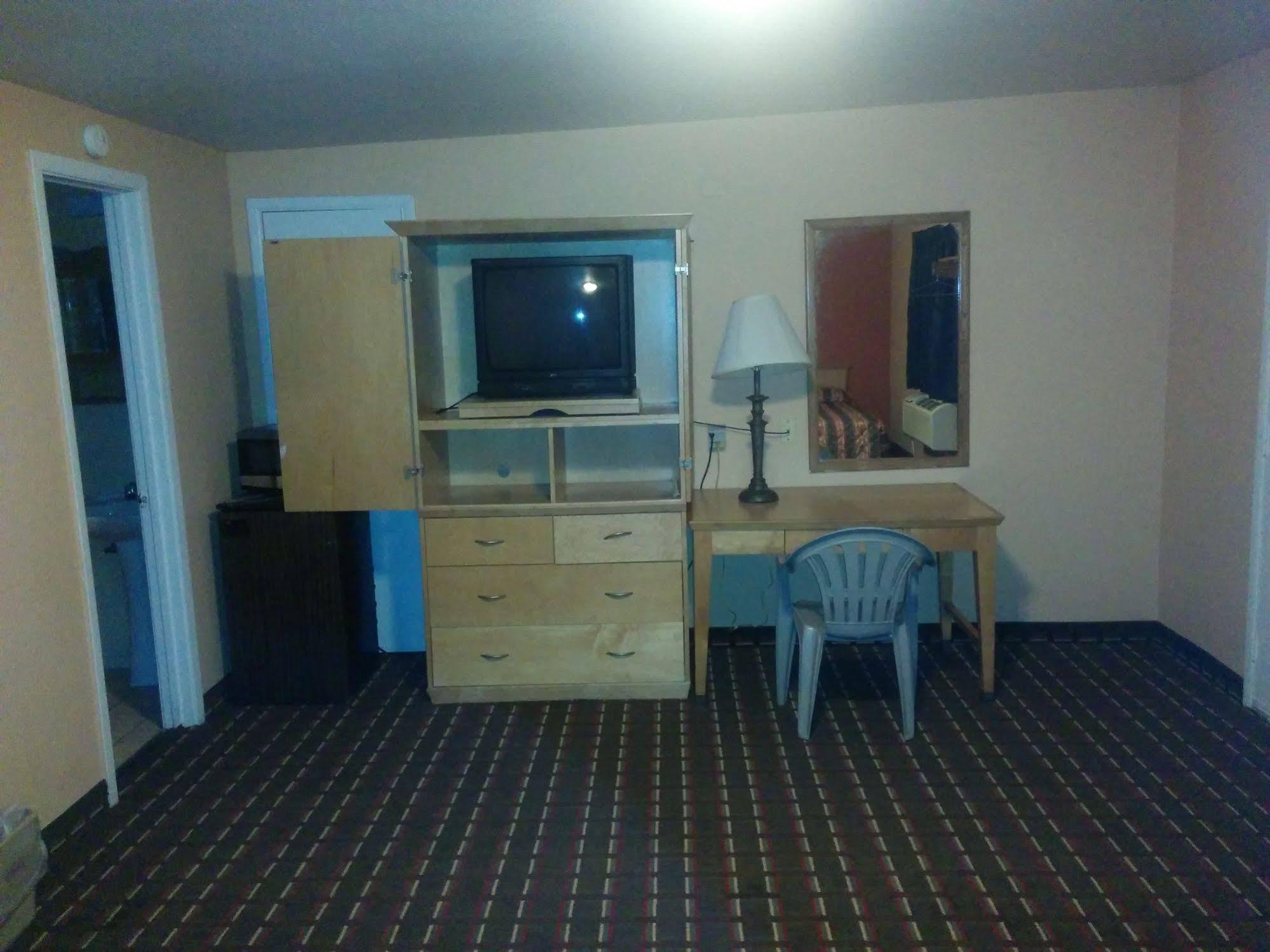 Budget Host Motel Gainesville