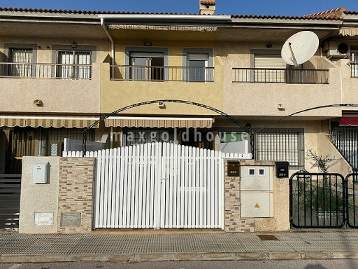 Lo Pagan Townhouse: Lo Pagan Townhouse for sale