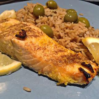 Broiled Salmon with Lemon Garlic Rub