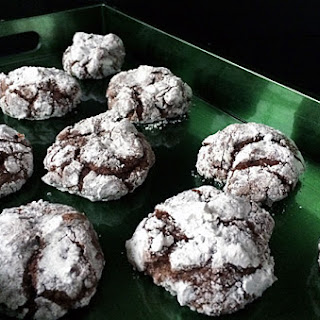 CHOCOLATE CRINKLES COOKIE