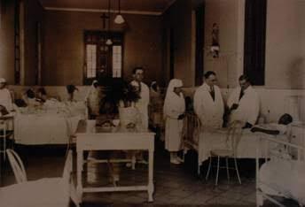 Antigua foto de los funcionarios del hospital San José