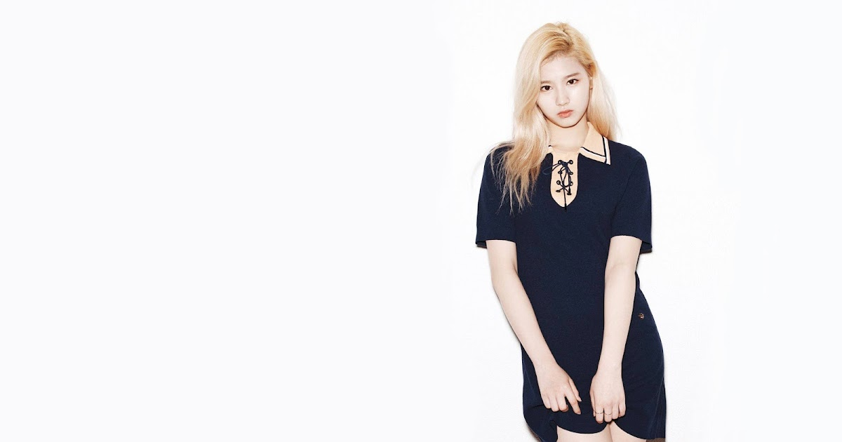 7fab72f0402ec 9 Photos of TWICE Sana s Stage Outfits That Are Drop-Dead Gorgeous -  Koreaboo