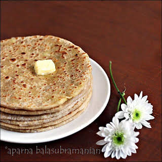 Aloo Parathas - Indian Flatbreads Stuffed With Spicy Mashed Potatoes (V).