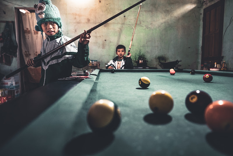 Playing pool on the mointains di Marco Tagliarino