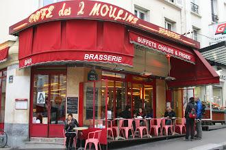 Photo: Le café des 2 moulins - la brasserie d'Amélie Poulain, 15 rue Lepic - Montmartre - Paris XVIIIe