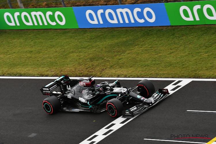 Hamilton eenzaam aan de top: Brit slaat dubbelslag in Hongarije, achter hem duelleren Verstappen en Bottas