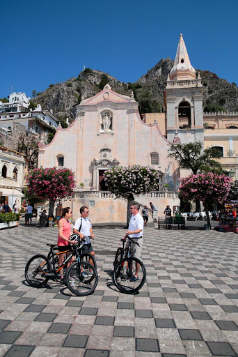 Seadream-mountain-bikes.jpg - SeaDream cruises include mountain bikes to take ashore to explore your ports of call such as Taormina, Sicily.