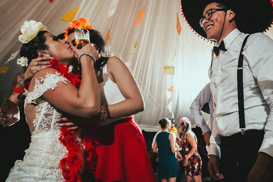 Wedding photographer Valery Garnica (focusmilebodas2). Photo of 13.02.2019