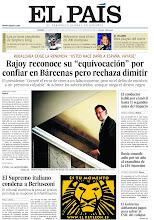 """Photo: Rajoy reconoce su """"equivocación"""" por confiar en Bárcenas pero rechaza dimitir; el Supremo italiano condena a Berlusconi y Rusia concede asilo por un año al exanalista de la CIA Snowden, en la portada de EL PAÍS, edición nacional, del viernes 2 de agosto de 2013http://cort.as/505t"""