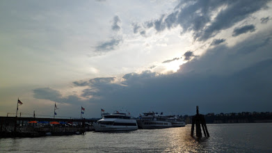 Photo: Beautiful sunset over the Hudson